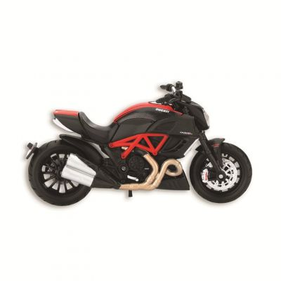 MODEL DUCATI DIAVEL CARBON